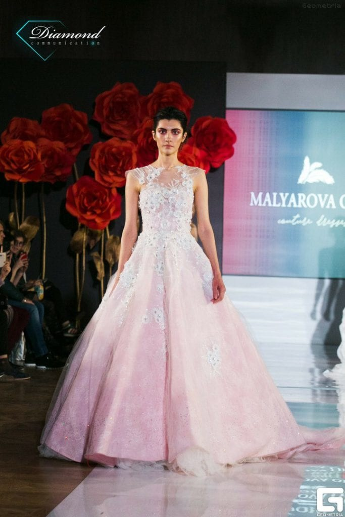 Показ дизайнера Olga Malyarova в рамках NEVA FASHION WEEK ST.PETERSBURG. -5