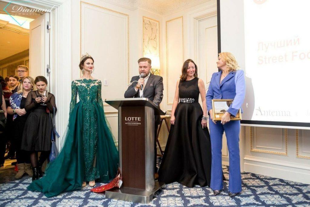 Модели Diamond Communication на церемонии награждения Премии «ТОП-100 лучших ресторанов Санкт-Петербурга» -3